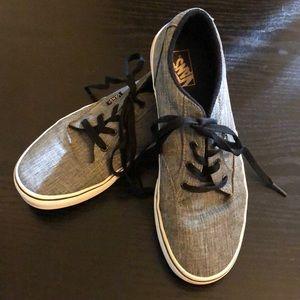 Men/Boys Low top Vans Size 7 gray